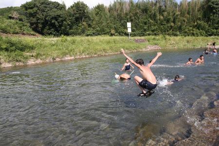 【★はたの夏休み★】黒尊川de川遊び